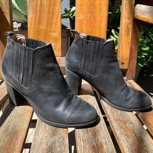 Dr. Scholl's Black Booties 8.5M